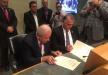 علي سلاّم  ورئيس بلدية ميامي يوقعان على إتفاقية توأمة