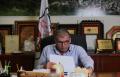 عمر نصار برسالته للمجتمع العربي: يتوجب اخذ الحيطة والحذر على الصعيد الاجتماعي، والاقتصادي، والديني