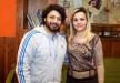 الظهور الإعلامي الأول لزوجة حميد الشاعري وابنته