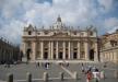 مؤمنون يصلّون مجددا مع البابا فرنسيس في ساحة القديس بطرس في روما