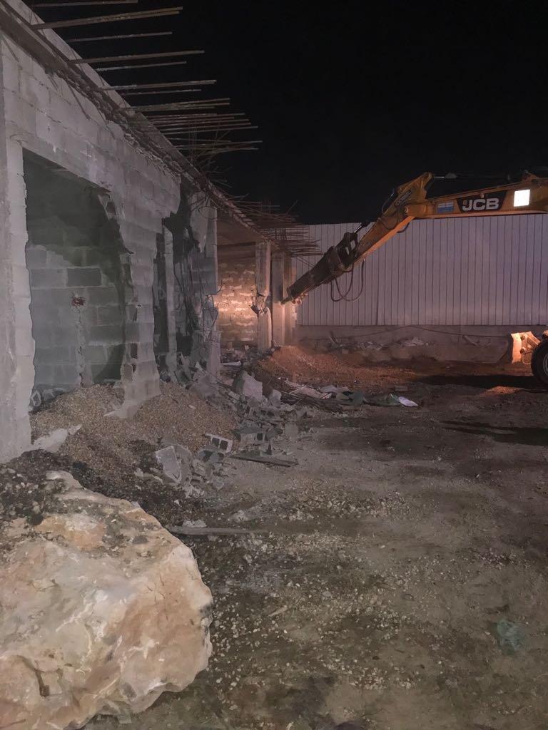 بلدية القدس تجبر مقدسيا على هدم منزله ذاتيا في العيساوية