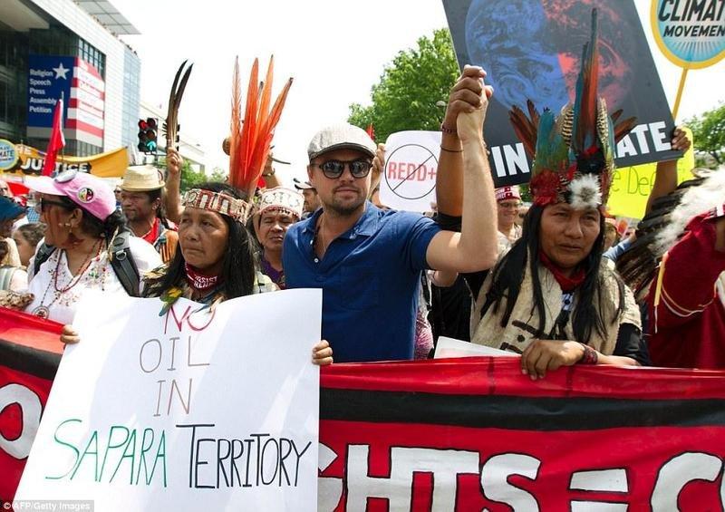 ليوناردو ديكابريو في مظاهرة تندّد بالتغيّر البيئي