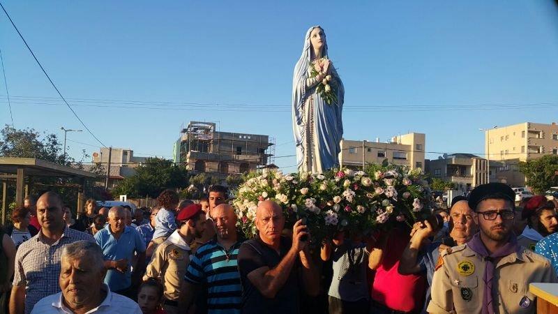 اختتام الشهر المريمي في شفاعمرو بمسيرة أهلية مهيبة