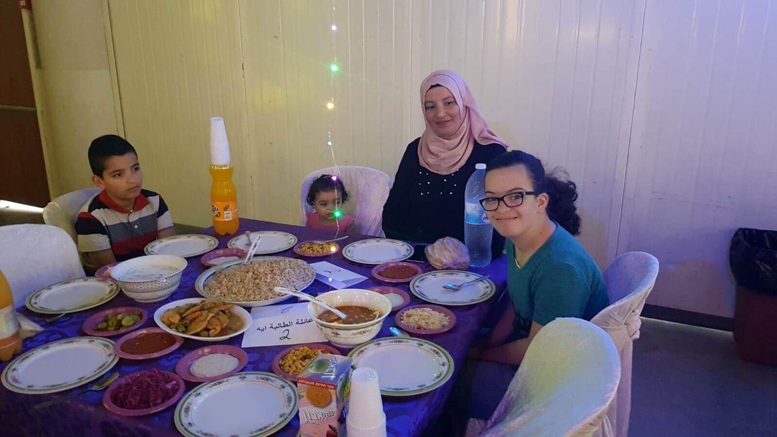 ام الفحم: مدرسة الامل تقيم افطارا جماعيا