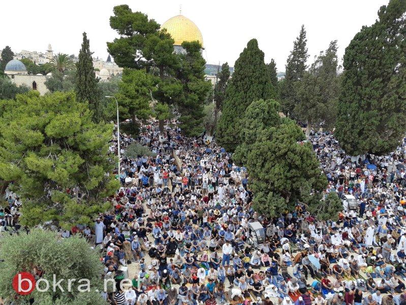 250 ألف مصلٍ أدوا صلاة الجمعة الثالثة من رمضان في رحاب الأقصى