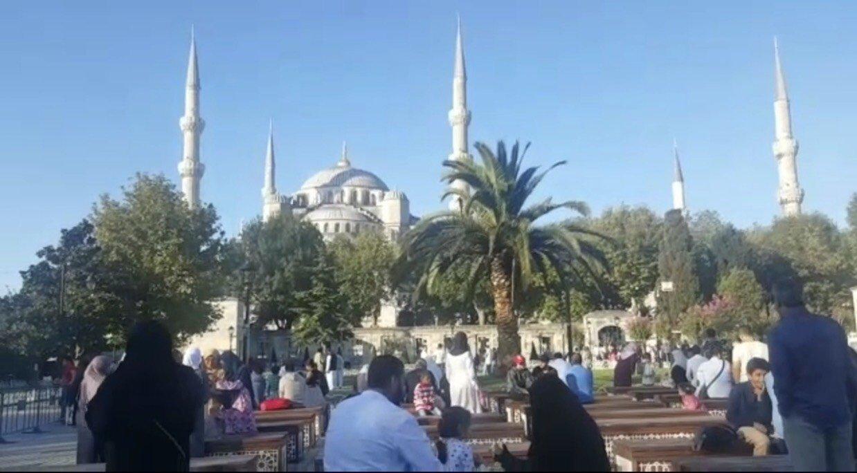 عدسة بـُكرا ترصد صلاة وأجواء العيد في اسطنبول