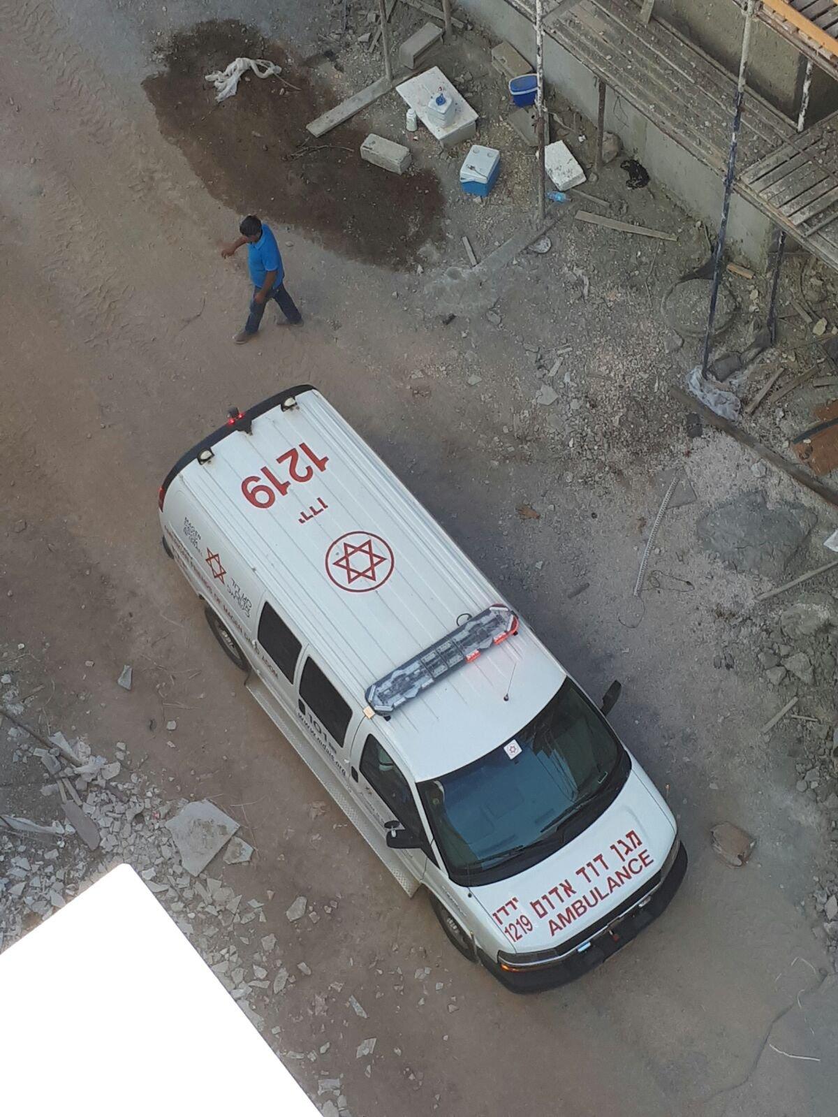 إصابة عامل من عيلبون بحادث عمل في بوريا