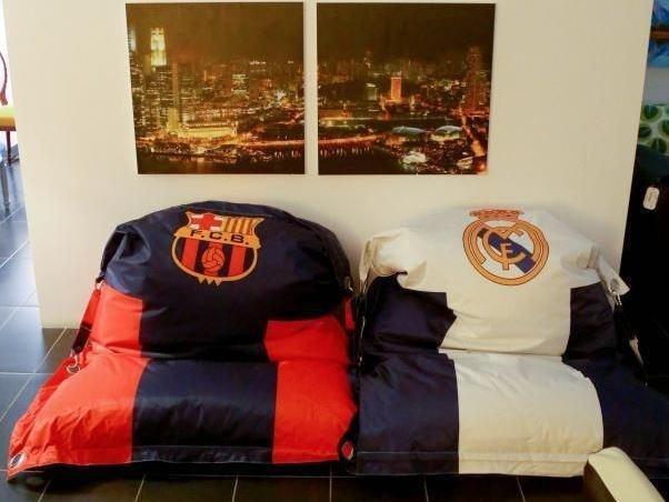 ديكورات نادي برشلونة في المنازل السعودية