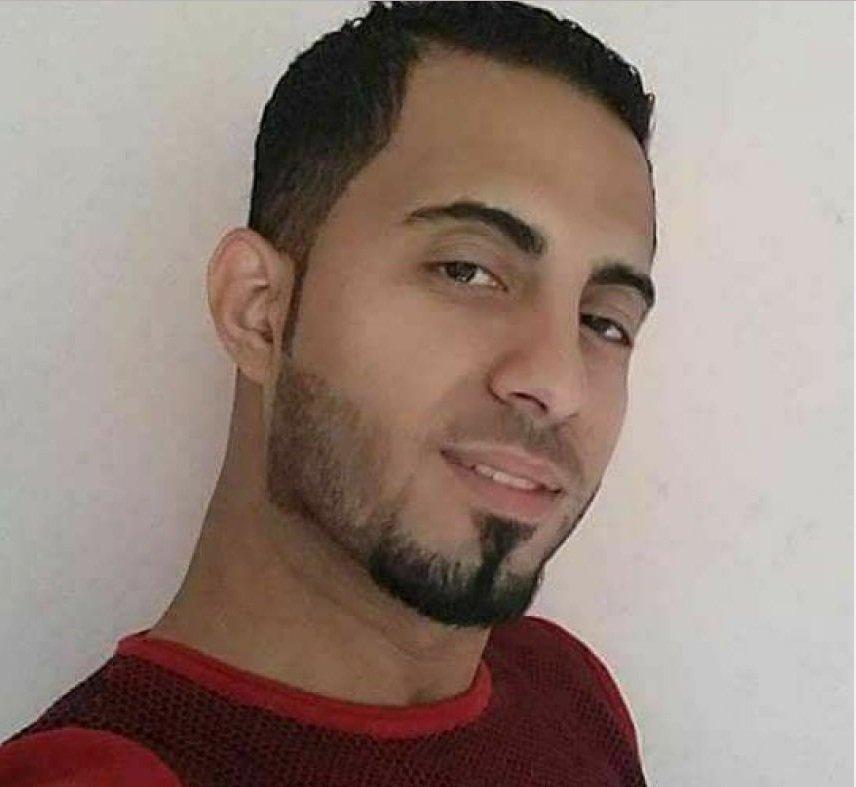 غزة: وفاة شاب بعد إصابته بحادث سير أثناء توزيع دعوات فرحه