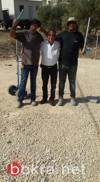 مسيرة التطوير مستمرة بالشبلي أم الغنم: وصول المباني المؤقتة للمدرسة الزراعية وإنشاء دوار جديد
