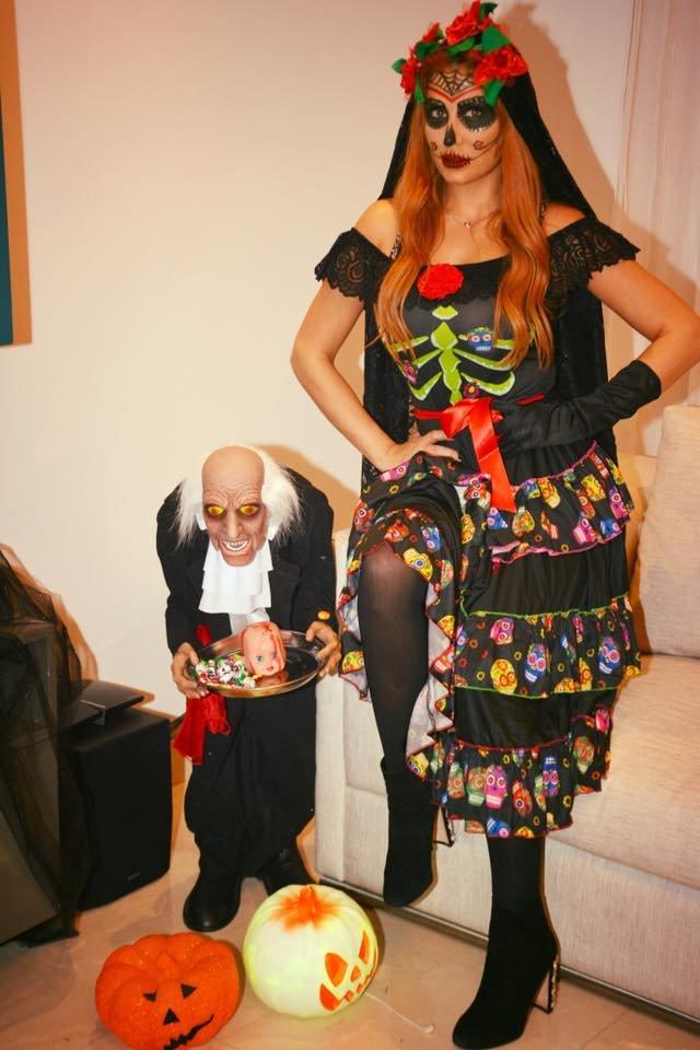 ممثلة سورية بلباس تنكري.. هل يمكنكم التعرف اليها؟