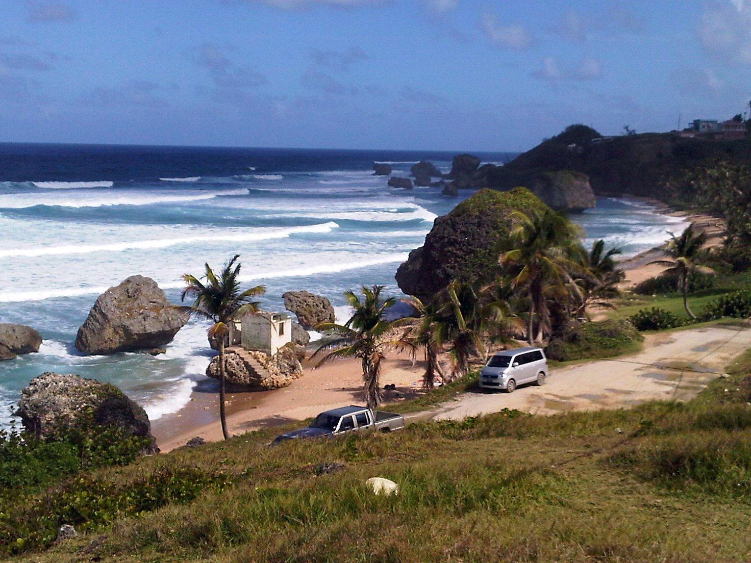 """تعرفوا على جزيرة """"باربادوس"""" حيث تحلو السباحة في الشتاء 301538677"""
