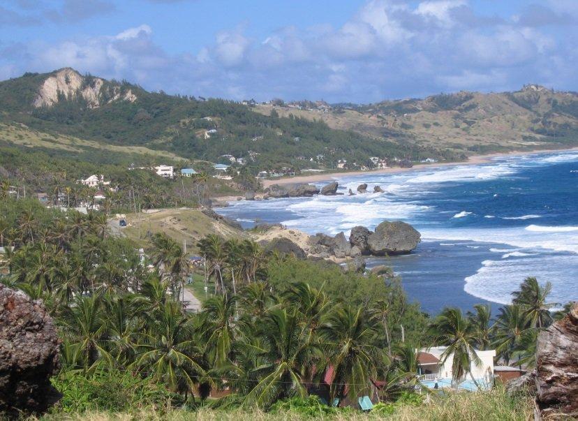 """تعرفوا على جزيرة """"باربادوس"""" حيث تحلو السباحة في الشتاء 649191213"""