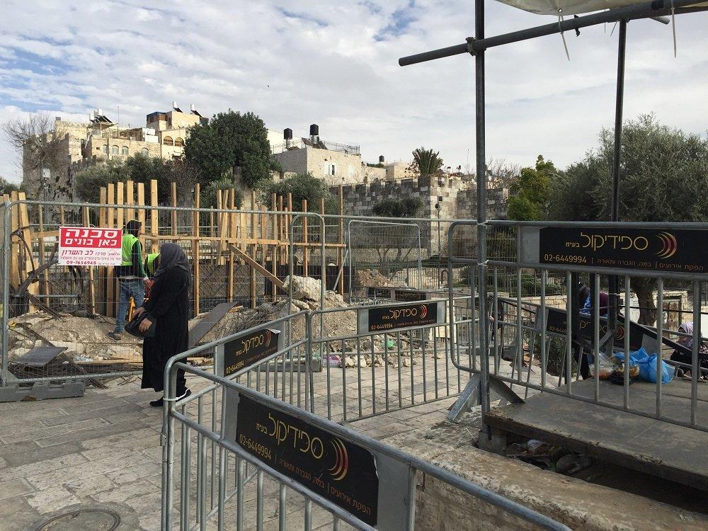 اسرائيل تواصل بناء 3 مراكز امنية جديدة في باب العمود