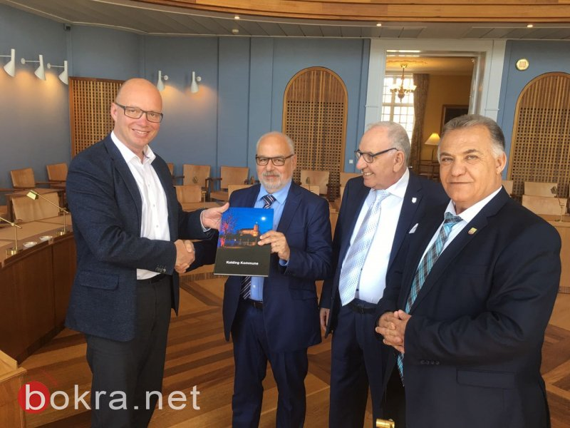 علي سلام يوقع اتفاقية التوأمة بين الناصرة وكولدانك الدنماركية