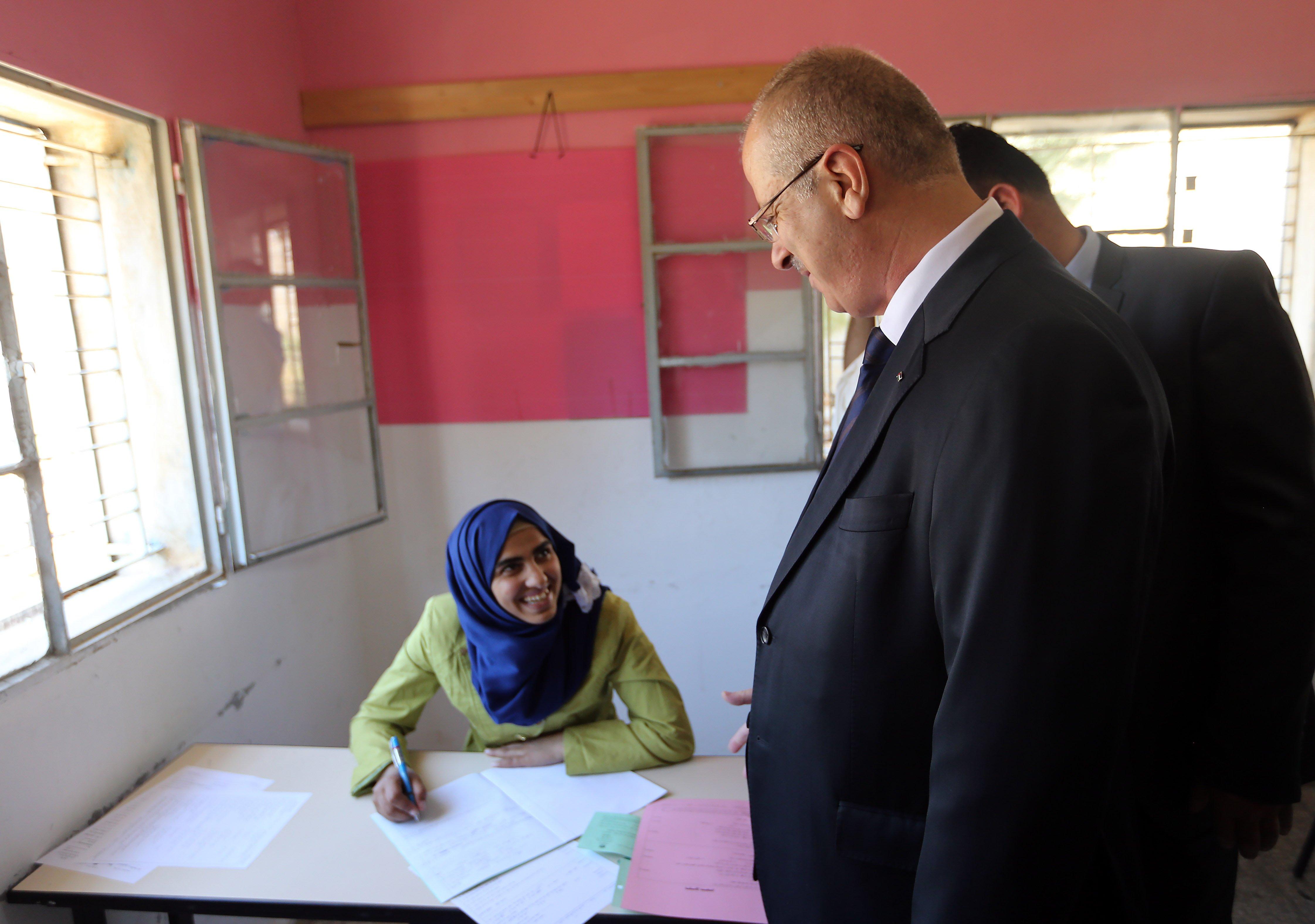 الضفة الغربية: نحو 72 ألف طالب وطالبة يتوجهون لتقديم امتحان الثانوية العامة