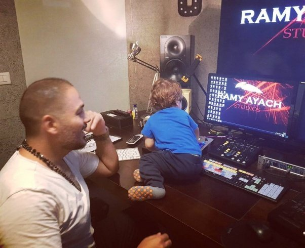 رامي عياش يعرض أحدث صوره لابنه رام... شاهدوا كيف أصبح