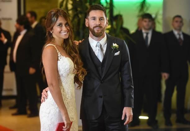 شاكيرا تثير الجدل بإطلالتها في زفاف ليونيل ميسي