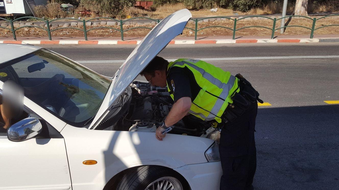 عشرات المخالفات في حملة للشرطة بدبورية واكسال، وضبط سائق عربي بسيارة مصفحة
