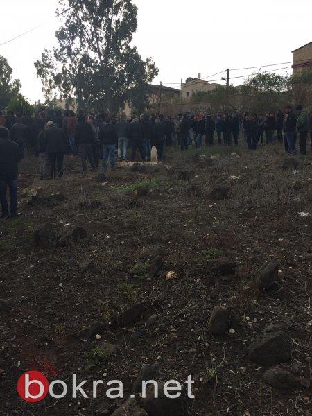 بأجواء حزينة، المئات في كفر مصر يشيّعون جثمان الشاب رضوان صبيحي