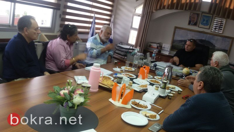 مستثمرون من فرنسا يزورون الشبلي أم الغنم لفحص امكانية الاستثمار ببناء الفندق البدوي