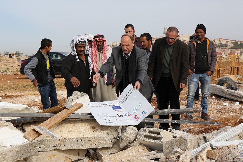 الحسيني يدعو الى تعزيز صمود البدو في ابو النوار