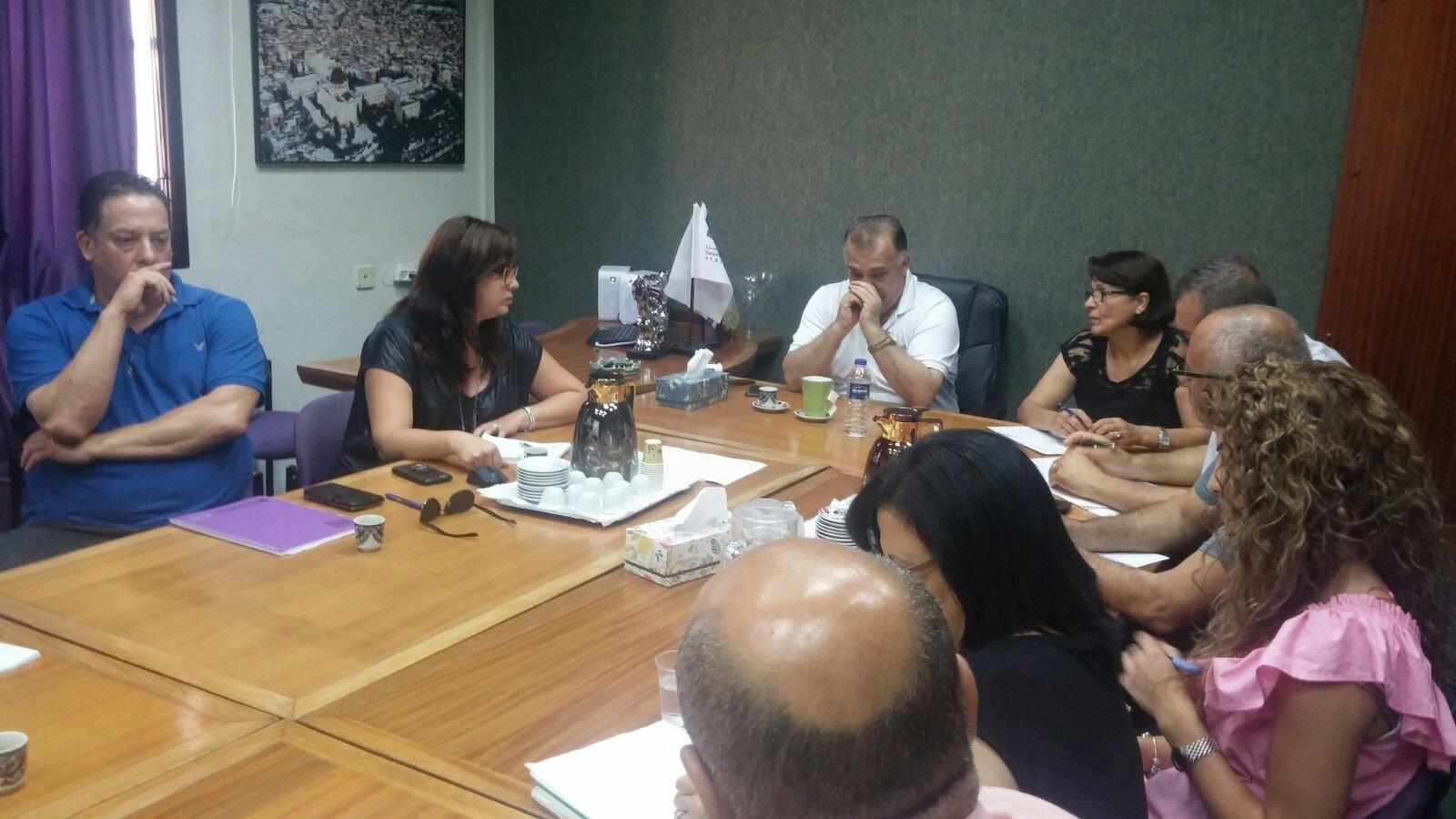 بلدية الناصرة تعقد جلسة خاصة مع شركة مبادرة لبحث موضوع إحياء السوق