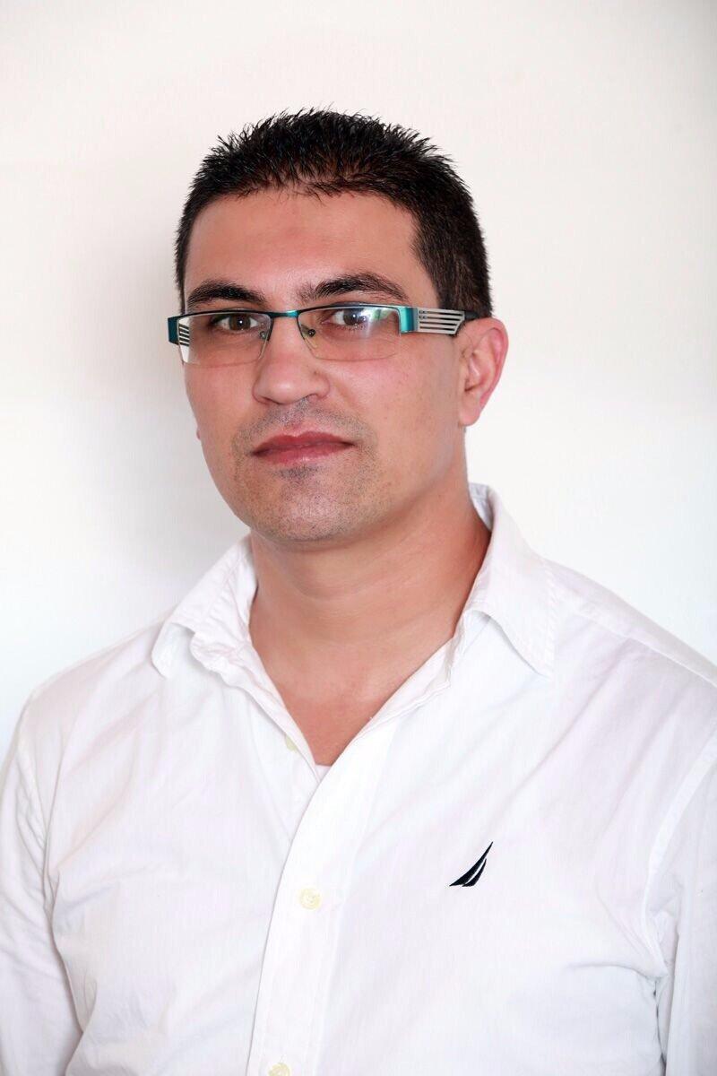 الشاب عبد كناعنة، حصل على الدكتوراه بتفوّق ..  ورسالته للشباب: عليكم بالألقاب العليا