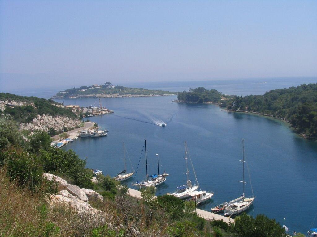 تعرفوا على باكسوس الجزيرة اليونانية الهادئة! 1121931534
