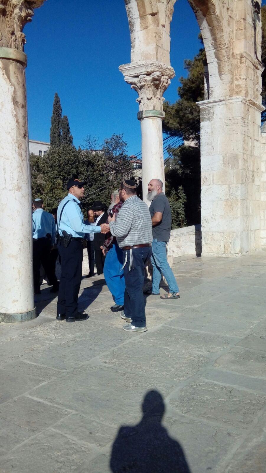 لجنة القدس في القائمة المشتركة تحذّر من مغبّة انفجار الأوضاع بعد اقتحام قبة الصخرة واعتلاء المستوطنين القبّة