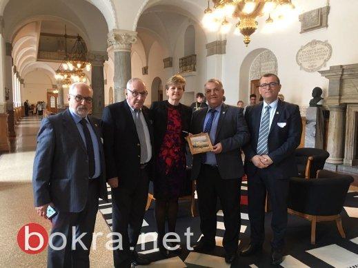 علي سلام رئيس بلدية الناصرة يزور البرلمان الدنماركي ويدعو لإحلال السلام