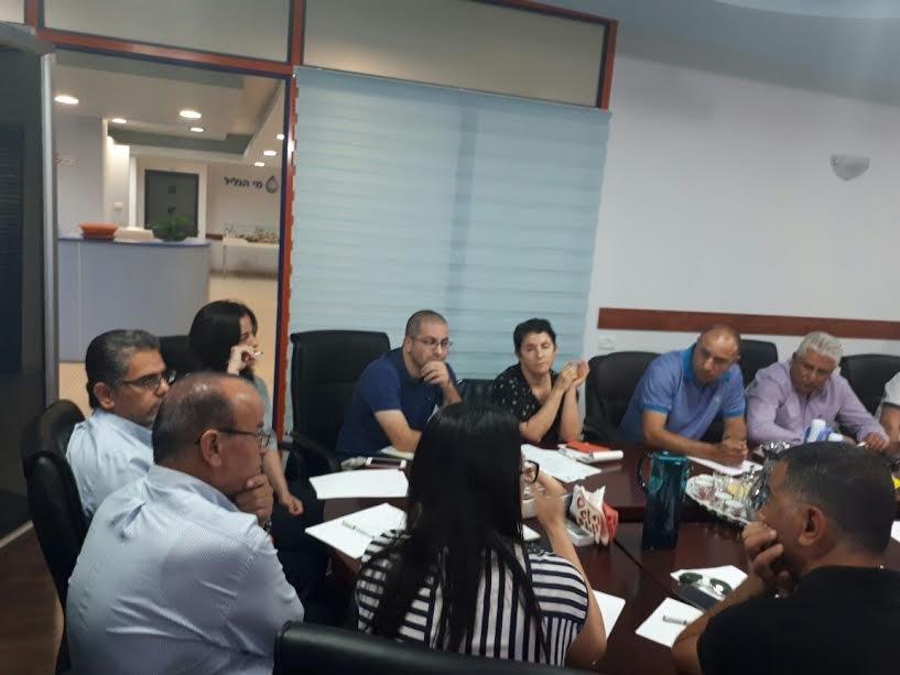 مياه الجليل تعقد اجتماعًا طارئًا لبحث قضية المياه الملونة بحضور وزارة الصحة، سلطة المياه وشركة مكوروت