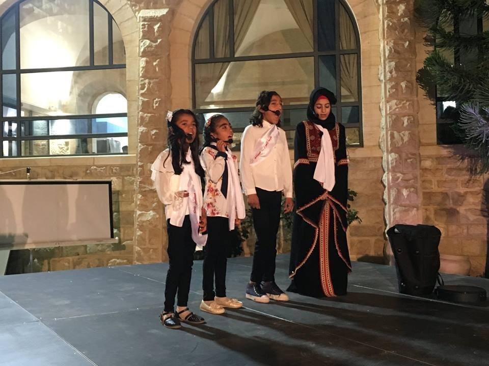 المُطَّلع في القدس يحتفل بتخريج الفوج الثاني من طلبة مدرسة الإصرار (1)