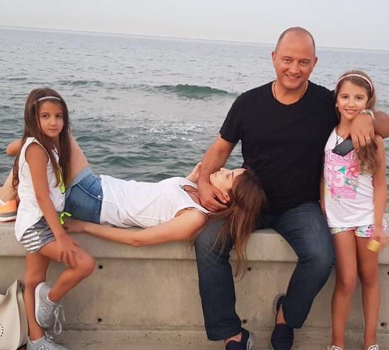 أحدث صورة عائلية لنانسي عجرم تثير الجدل على الانترنت (شاهد)