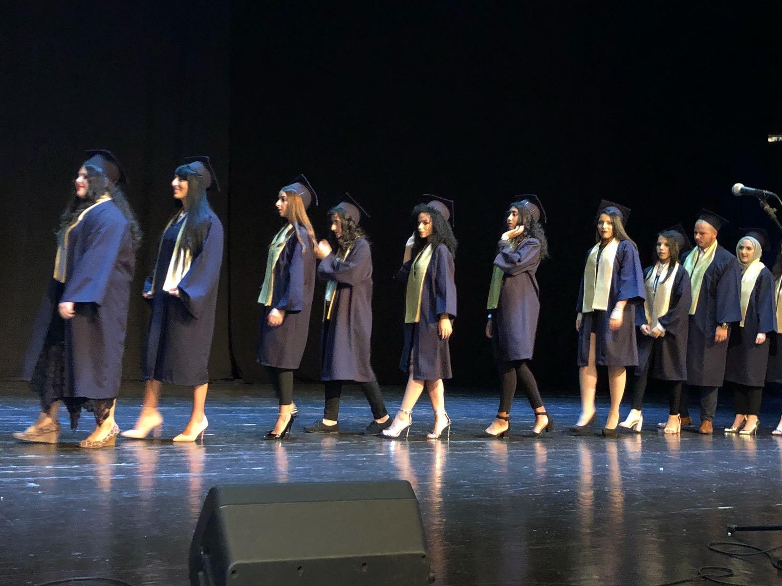 ثانوية الكرمة للعلوم في حيفا تحتفل بتخريج الفوج الثالث من طلاب الثواني عشر