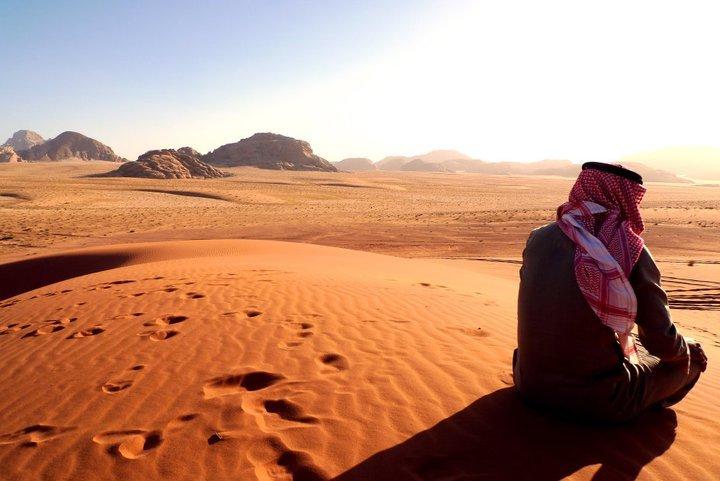 وادي رم الأردن: رمال ساحرة تأخذك إلى عالم الخيال