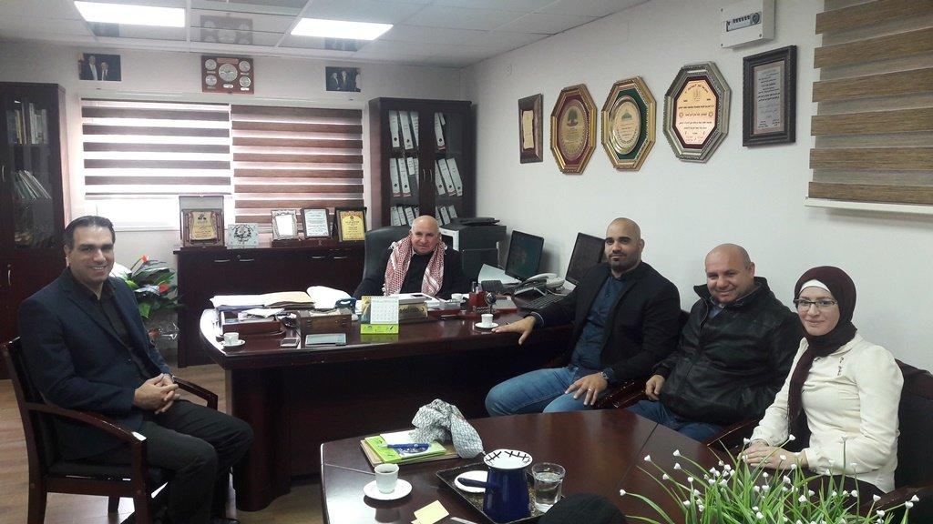 زيارة السيد أشرف جبور مدير برنامج رواد  لمدرسة غرناطة الثانوية في كفر كنا