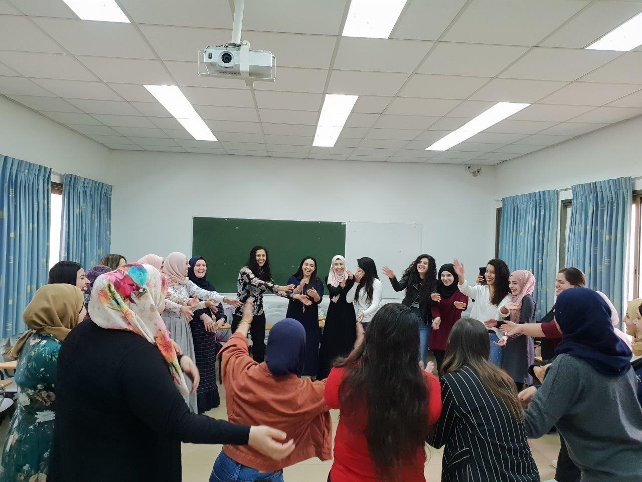 المعهد الأكاديمي العربي للتربية في كلية بيت بيرل يعقد يومًا دراسيًّا حول الموسيقى والتربية في مرحلة الطفولة المبكرة