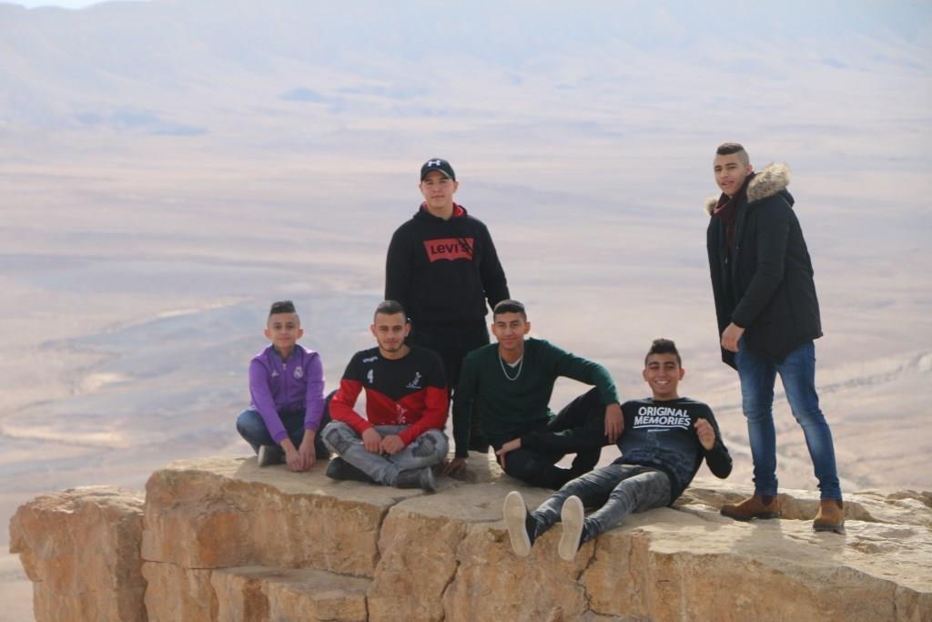 مشاركة نادي التحديات دبوريه في مخيم الشتاء بصحراء النقب