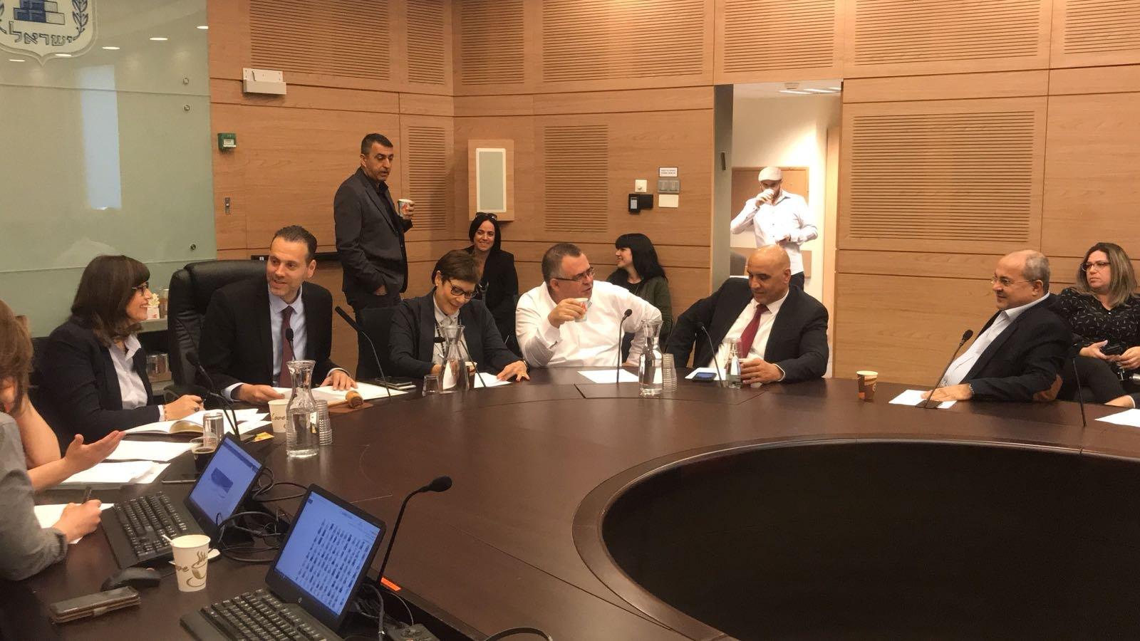 المصادقة على اقامة لجنة برلمانية لتشغيل العرب والمساواة الاجتماعية برئاسة الطيبي