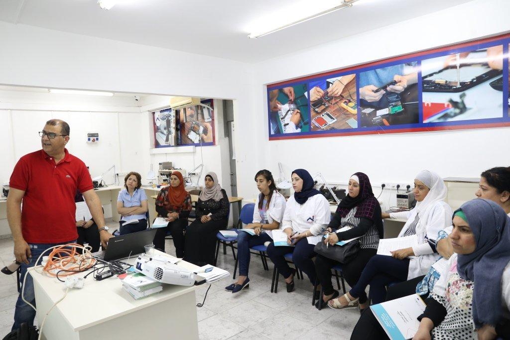 البدء منذ الآن .. لقاءات نظمت في عدد من المدن العربية والمعاهد ضمن مشروع خارطة الطريق