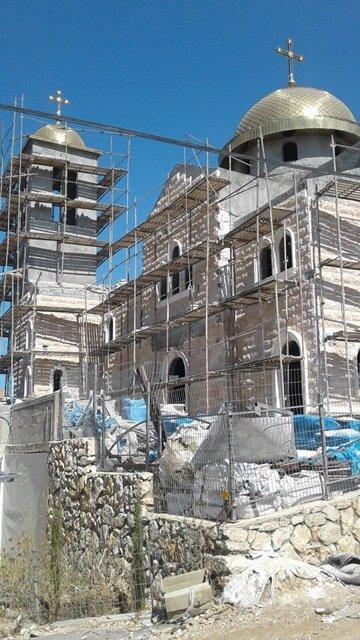تقدم الأعمال في إتمام بناء الكنيسة الجديدة في كفرسميع