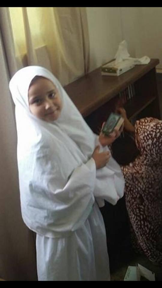 حلا شيحة تكشف عن صورة ابنتها هنا بالحجاب