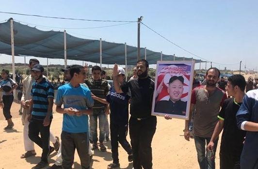 الغزيون يتوافدون للحدود لإحياء جمعة مليونية القدس