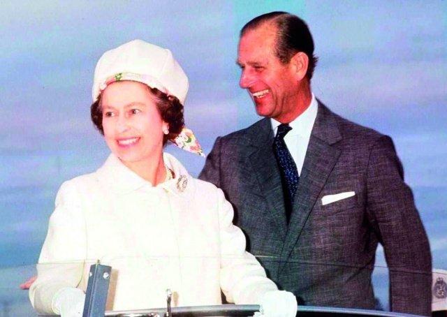 إليزابيث الثانية وفيليب: 69 عاماً من الزواج الناجح