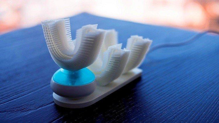 اختراع فرشاة لتنظيف الأسنان في ثوان معدودة!