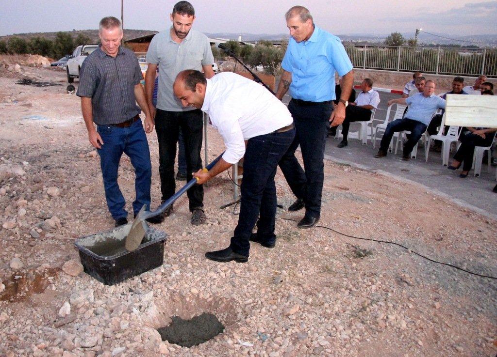 الأولى من نوعها بقرى المنطقة .. وضع حجر أساس لحضانة يومية في صندلة
