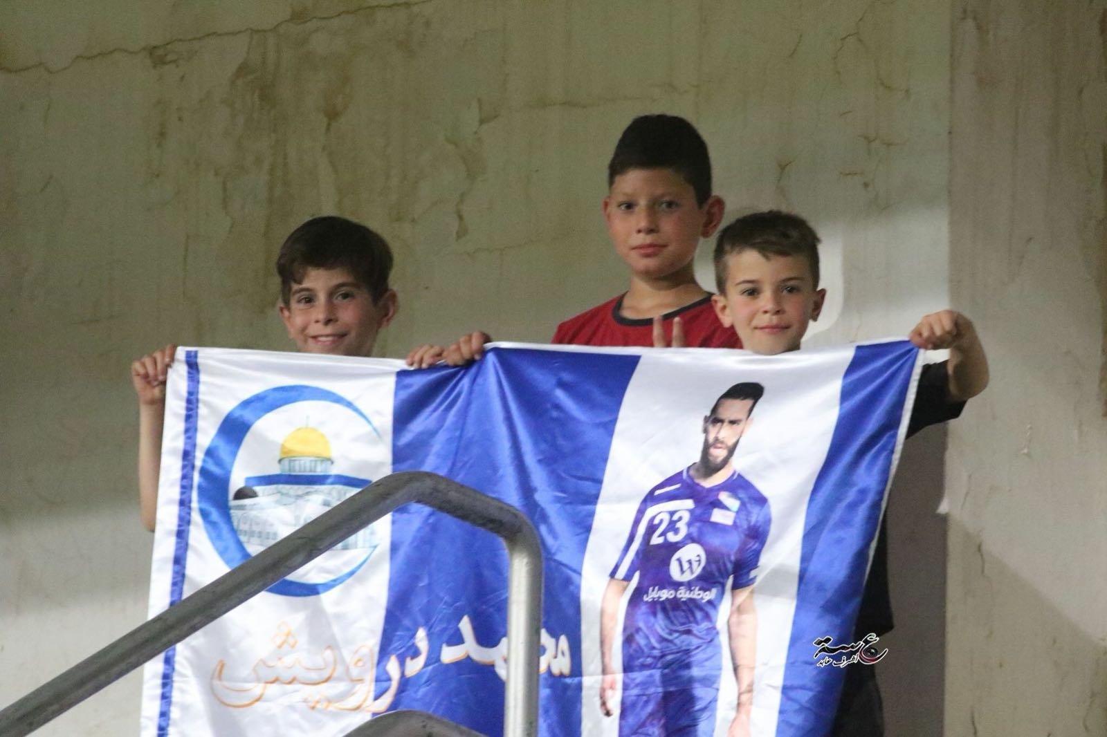 بادرة فرديّة للطالب كامل ابراهيم محمد درويش بدلا من ميسي ورونالدو