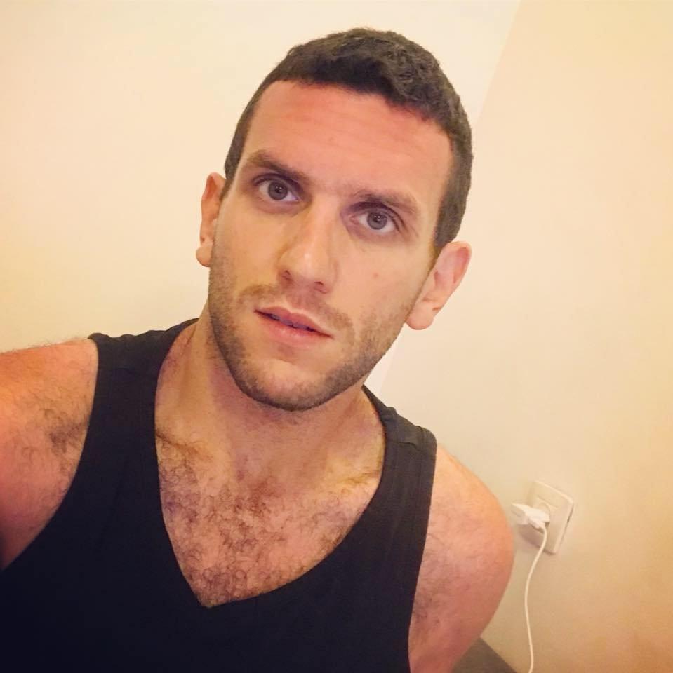 لماذا شارك زياد أبو الهوا الملقب بـ زيزو في مسيرة مثليي الجنس بتحفظ؟!!