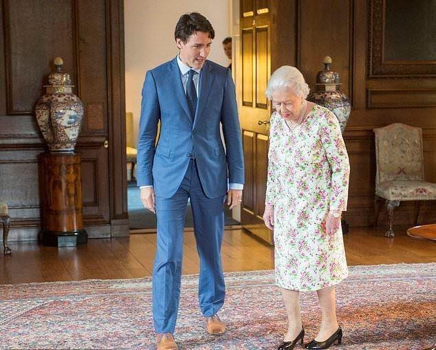 ترودو يُضحك ملكة بريطانيا.. ماذا قال لها؟